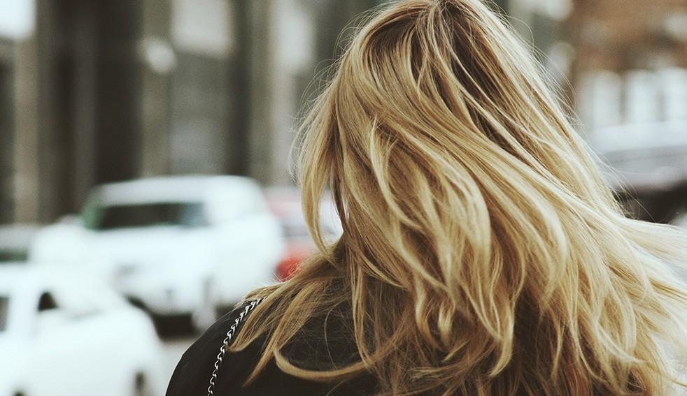 Accélérer la pousse des cheveux grâce aux compléments alimentaires